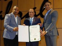 Reinaldo Pared Pérez fue reconocido por Iniciativa Pro-RD.