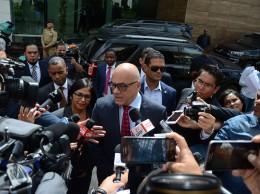 Representantes del Gobierno de Venezuela apelan al diálogo.