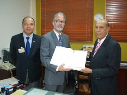 Comisión del PRD entrega informe a la JCE.