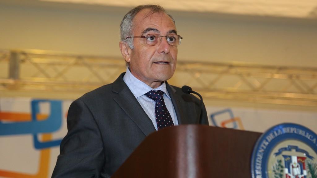 Uni n europea destaca liderazgo rd en crecimiento - Alberto navarro ...
