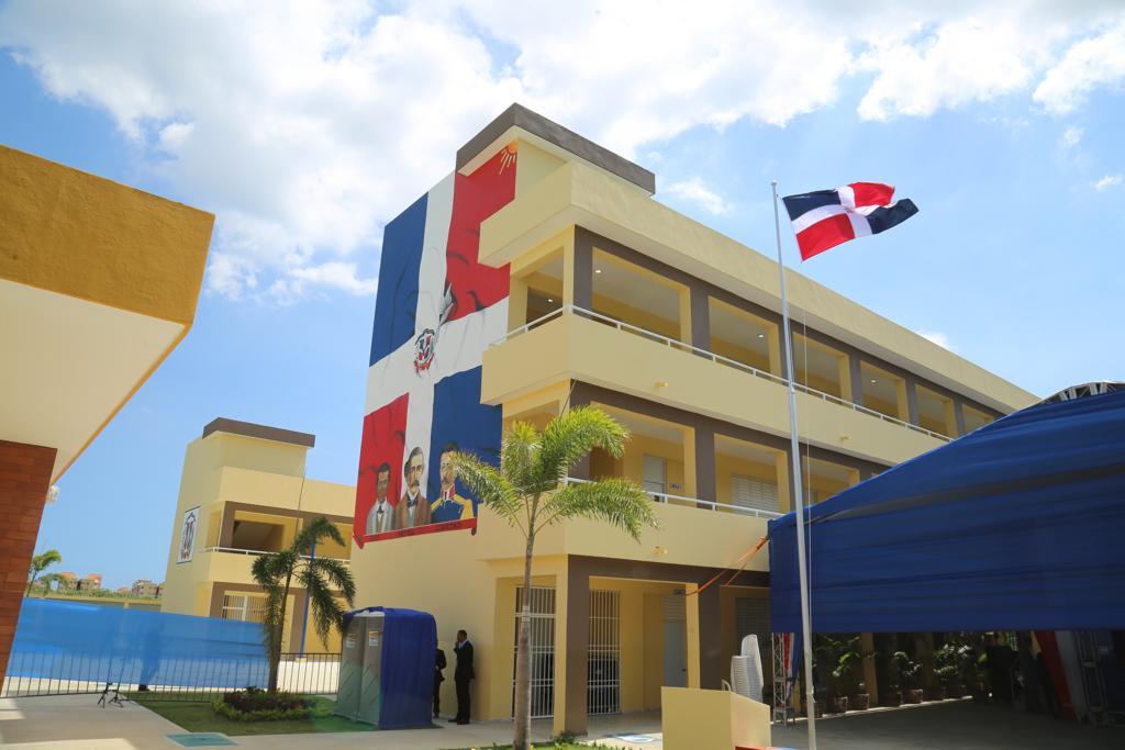 Gobierno ha invertido RD$6 mil millones en escuelas en Santo Domingo Este –  paginaextra.com